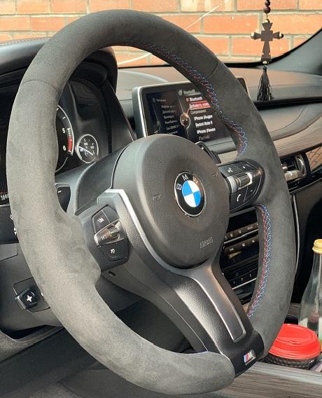 BMW X 5 F15Перетяжка руля Алькантарой/// шовцена 10500