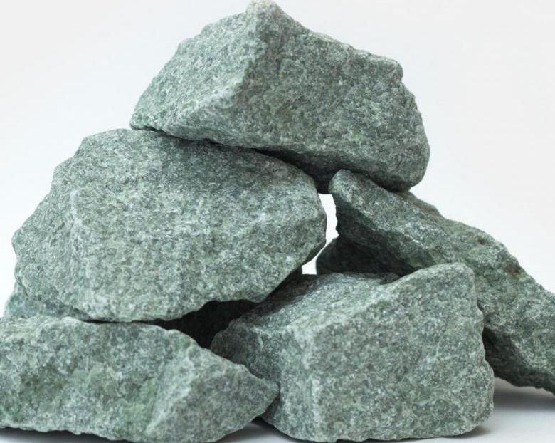 Жадеит Колотый (средний) 10 кг (мешок)Средняя фракция подходит для банных печей на дровах/газу, электрических каменок
