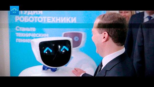 Сочный слог сайта, посадочной страницы, поста, заставляющий купить, поделиться ипойти наивент. Даже Дмитрия Медведева. Каждая публикация— 600–1500 просмотров и15–100комментариев.