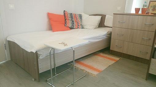 1-2-3-4-8-местные комфортные номера с функциональными кроватями и антипролежневыми матрасами для лежачих больных и ортопедическими матрасами для самостоятельных постояльцев