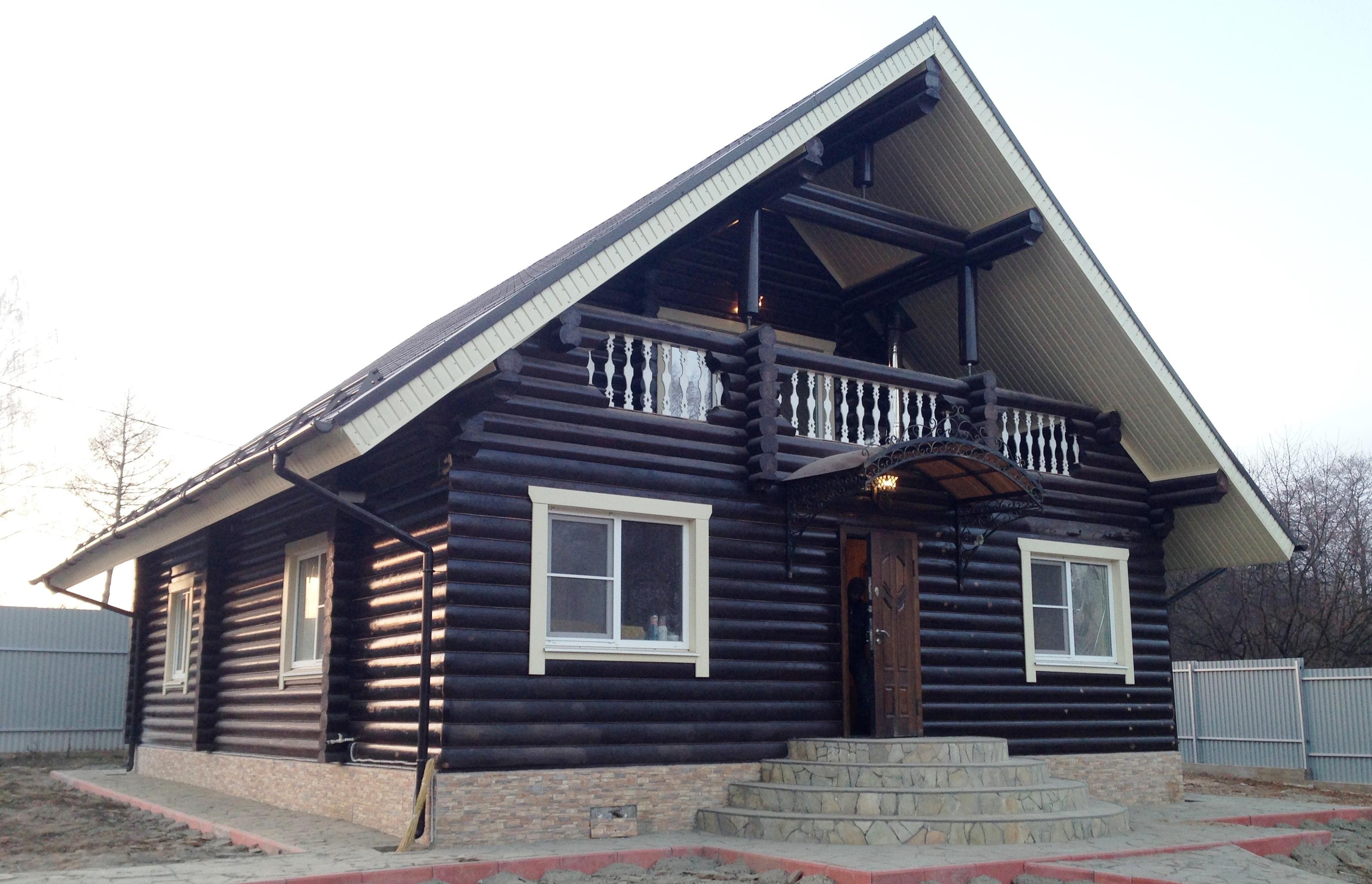 Бревенчатый дом в п.Рогово