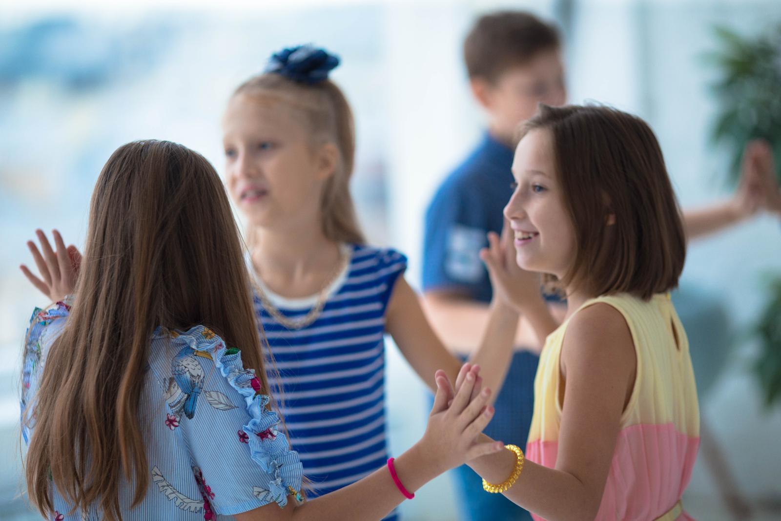 Занятия в детской театрально-танцевальной студии проходят в центре города, в пяти минутах ходьбы от метро Маяковская/пл. Восстания и в трех минутах от Невского проспекта. По адресу ул. Пушкинская д.9.