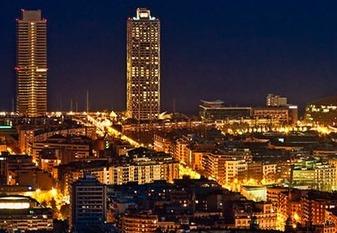 Город в вечерних огнях. Ночная Барселона. Фотоэкскурсия.Несекрет, что город по-разному «звучит» вразное время суток. Ночная жизнь раскрывает другие грани-составные части невероятного магнетизма Барселоны. Япознакомлю Вас страдициями исекретами каталонской столицы, расскажу увлекательные истории игородские легенды. Поднимемся нагору Тибидабо изайдем вхрам Священного сердца, совершим подъем набашню храма-это будет самая высокая точка Барселоны, откуда невероятный вид нагород; прогуляемся поОлимпийскому порту, Рамбле, Поужинаем в«секретном» ресторане, проедем поночному городу. Посмотрим представление Магического фонтана c горы Монжуик и проедем по ночному городу.49 евро с группы за 1 час