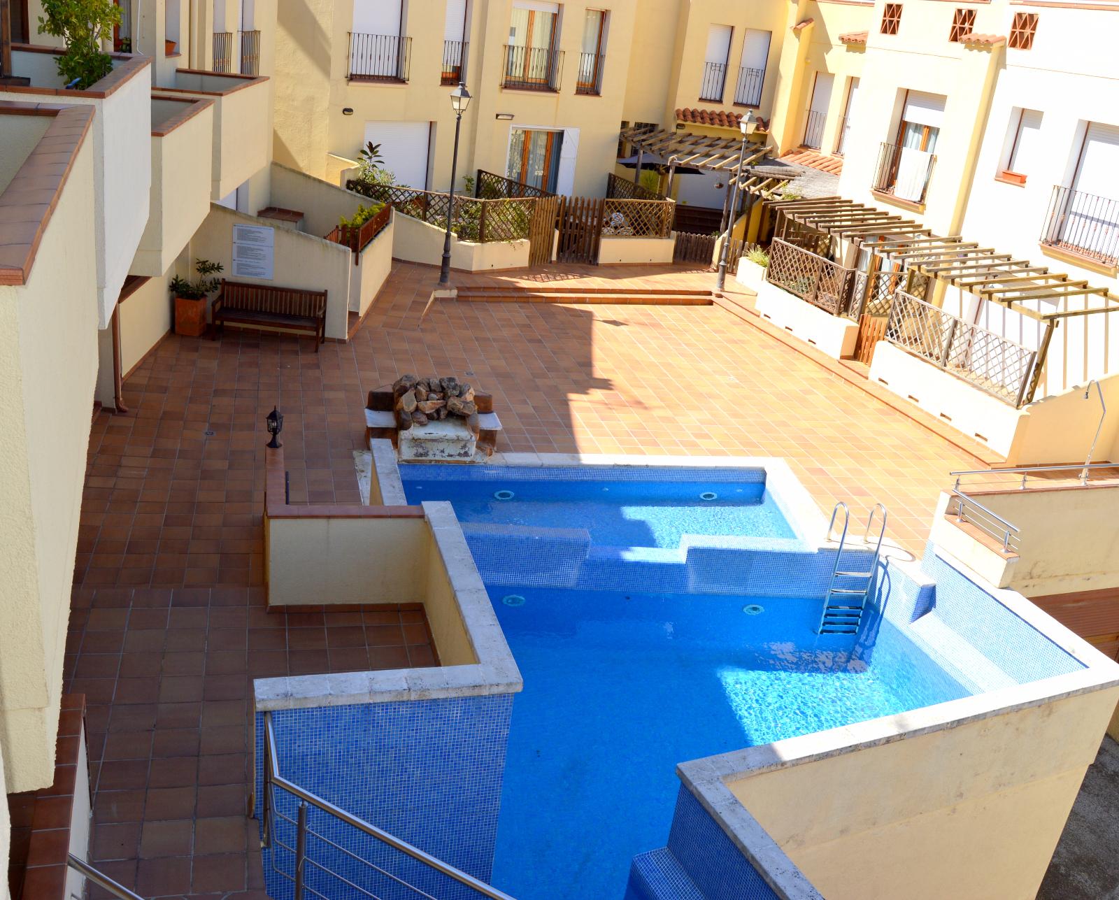 Комплекс Las Magdalenas1.708 евро/недДом в самом центре г Тосса де Мар, 3 спальни, 6 спальных мест,250 м от моря