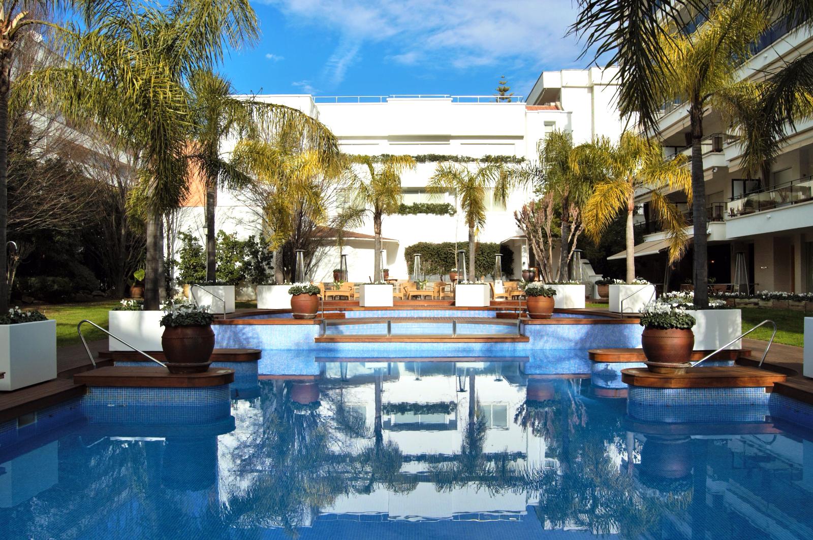 Апартаменты 5 звезд1.900 евро/недАпартаменты в 5-и звездочном отеле, 2 спальни, 6 спальных мест, терраса с видом на море. Первая линия, пляж Fenals, Lloret de Mar