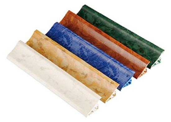 ПлинтусаПлинтуса в цвет столешницы или однотонные, из пластика или металла, любой длины и высоты. Для любых бортиков есть уголки и заглушки.
