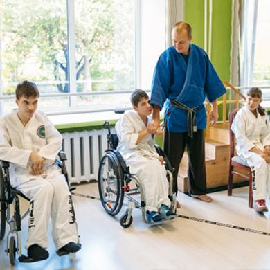 ИНКЛЮЗИВНЫЕ ПРОГРАММЫБольшой опыт работы с людьми с ограниченными физическими возможностями.