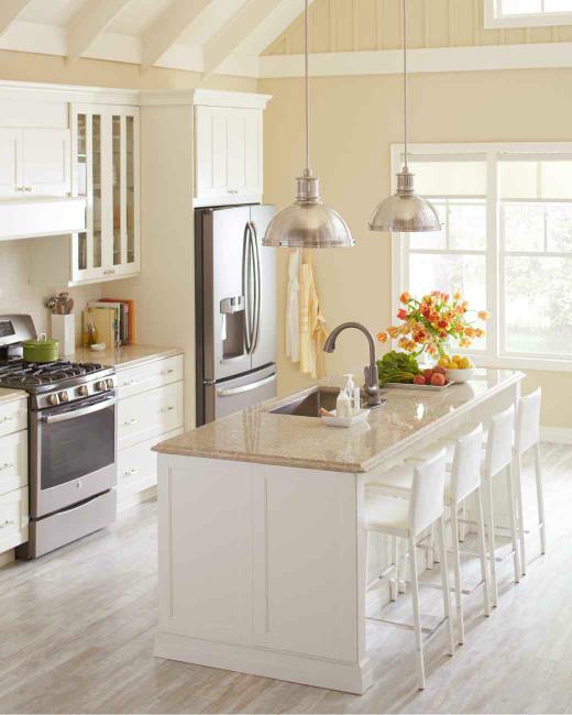 КухняВыносим мусорМоем мебель снаружи и внутриМоем плиту и столешницуМоем раковину и посудуМоем кухонную технику снаружи и внутриМоем вытяжку, включая фильтрыЧистим парогенератором труднодоступные места