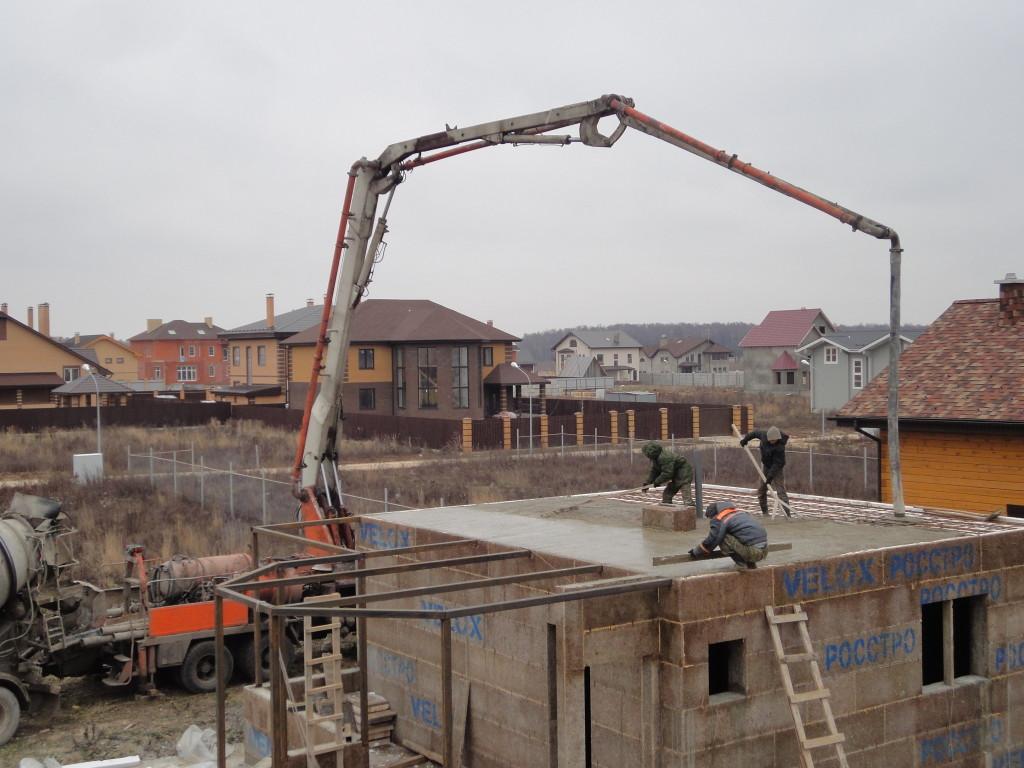 Заливка бетономмонолитной плиты перекрытия