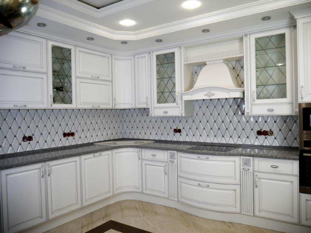 Кухня в классическом стилеМДФ,ЛДСП Egger, фурнитура Blum