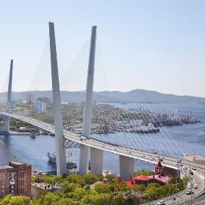 Строительство мостов и объектов саммита во Владивостоке