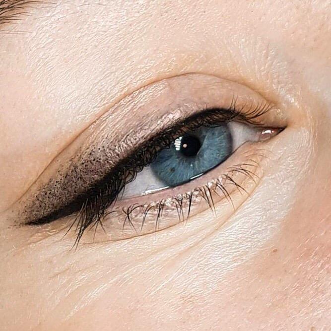 Глаза в технике Стрелочка с растушевкой
