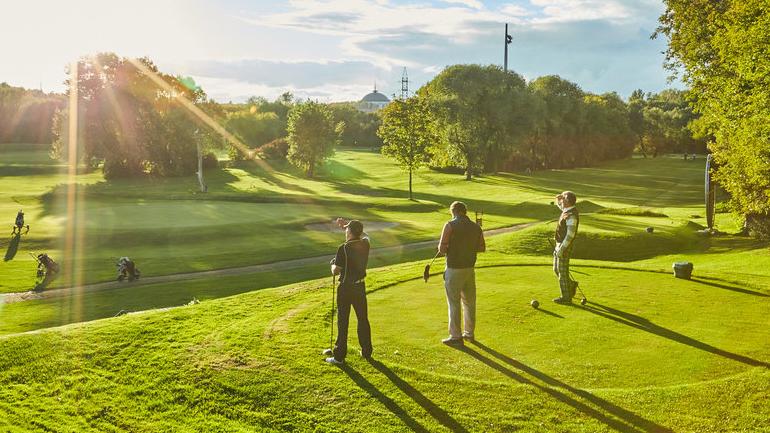 4. ТактическийСовершенствование мастерства и стремление к лучшим результатам.По окончанию курса Вы получите навыки строить план игры, оценивать расстояние, брейки и ловушки. Узнаете 29 секретов стабильной и мощной игры в гольф.Подробнее