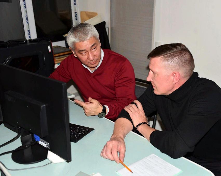 Курс обучения порежиссуре видеомонтажа проводит Алмат Ильясов