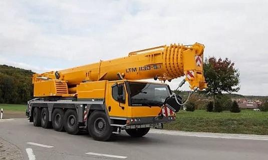 Автокран — 120 тоннМаксимальный вылет стрелы - 60 метровЦена:Договорная