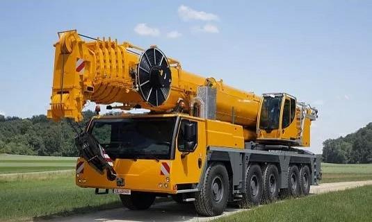 Автокран — 140 тоннМаксимальный вылет стрелы - 60 метровЦена: Договорная