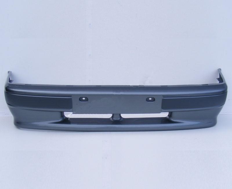 Бампер ВАЗ 2114 с полосой литойБампер окрашен в цвет, с серой полосой. Без отверстий для ПТФ. Все заводские цвета в наличии.