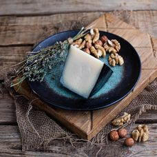 Сыр полутвердый «Капретто Лефкадии» из коровьего и козьего молока