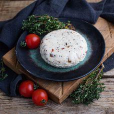 Сыр мягкий «Кавказский» с томатом и базиликом