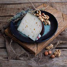 Фермерский сыр «Шамбала» с пажитником