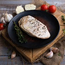 Филе куриной грудки с черным перцем и чесноком Су-вид