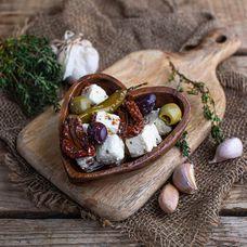 Микс оливок с сыром и вялеными томатами ~ 150 г