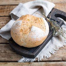 Цельнозерновой хлеб со льном и розмарином из дровяной печи