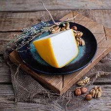 Сыр полутвердый «Квазар» из козьего молока