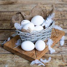 Яйца куриные фермерские белые, 10 шт. в упаковке