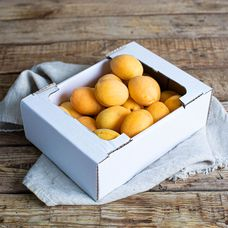 Коробка абрикосов
