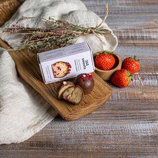 Конфеты в шоколадной глазури «Кешью и малина»