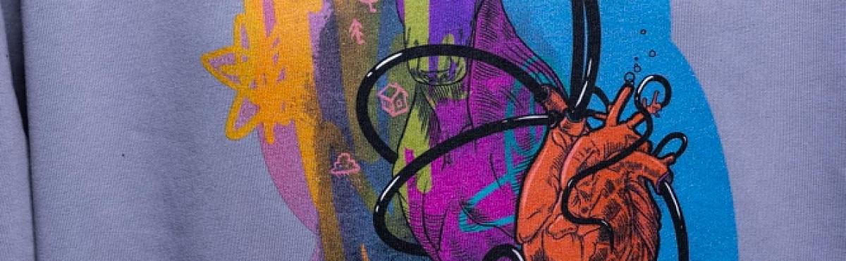 «Гоголь-центр» выпустил мерч в коллаборации с современными художниками