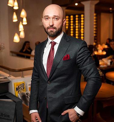 Олег Ханин