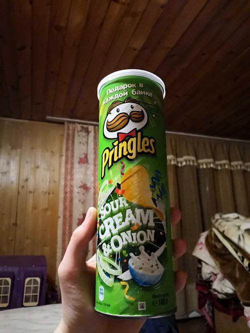 Чипсы Pringles со вкусом сметаны и лука, 165гр.