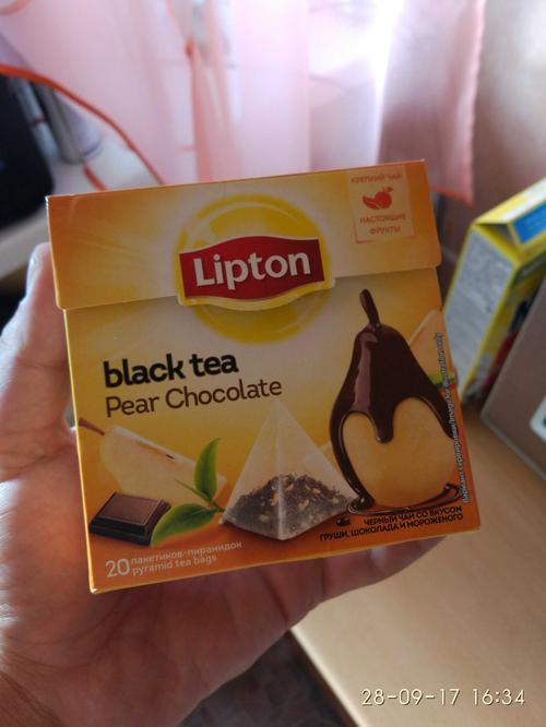 """фото Чай LIPTON """"Pear Chocolate"""", черный с грушей, шоколадом и мороженым, 20 пирамидок по 1,6г."""