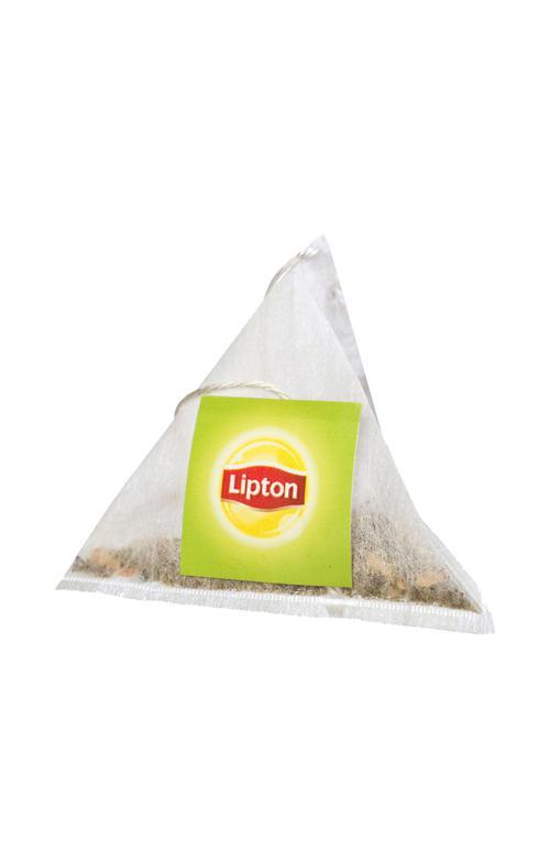 """цена Ароматизированный зеленый байховый чай с лепестками жасмина """"LIPTON GREEN TEA JASMINE"""", 20 пакетиков-пирамидок, 34 г."""