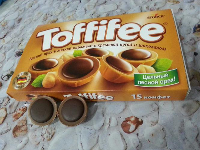 """фото7 Конфеты """"Тоффифи"""" (Toffifee) Лесной Орех в карамельной чашечке с нугой и шоколадом, 125гр."""