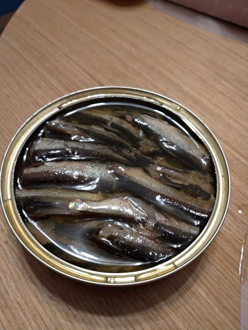 фото Консервы Знак качества из копченой рыбы. Шпроты в масле из балтийской кильки