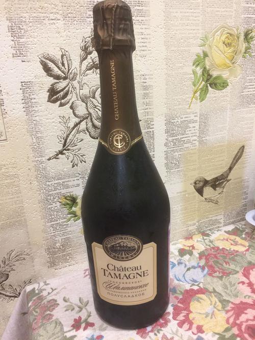 """описание """"Шато Тамань"""" Российское шампанское полусладкое белое"""