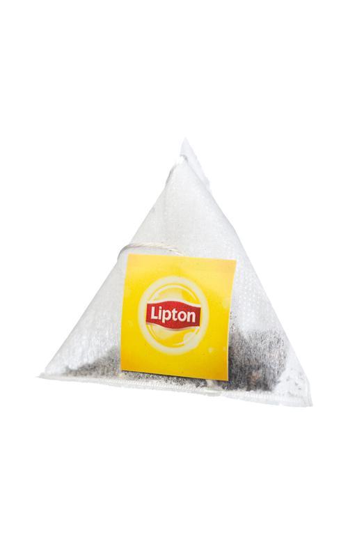 Чай черный Lipton mint байховый ароматизированный с кусочками клубники и листочками мяты, 20пак.