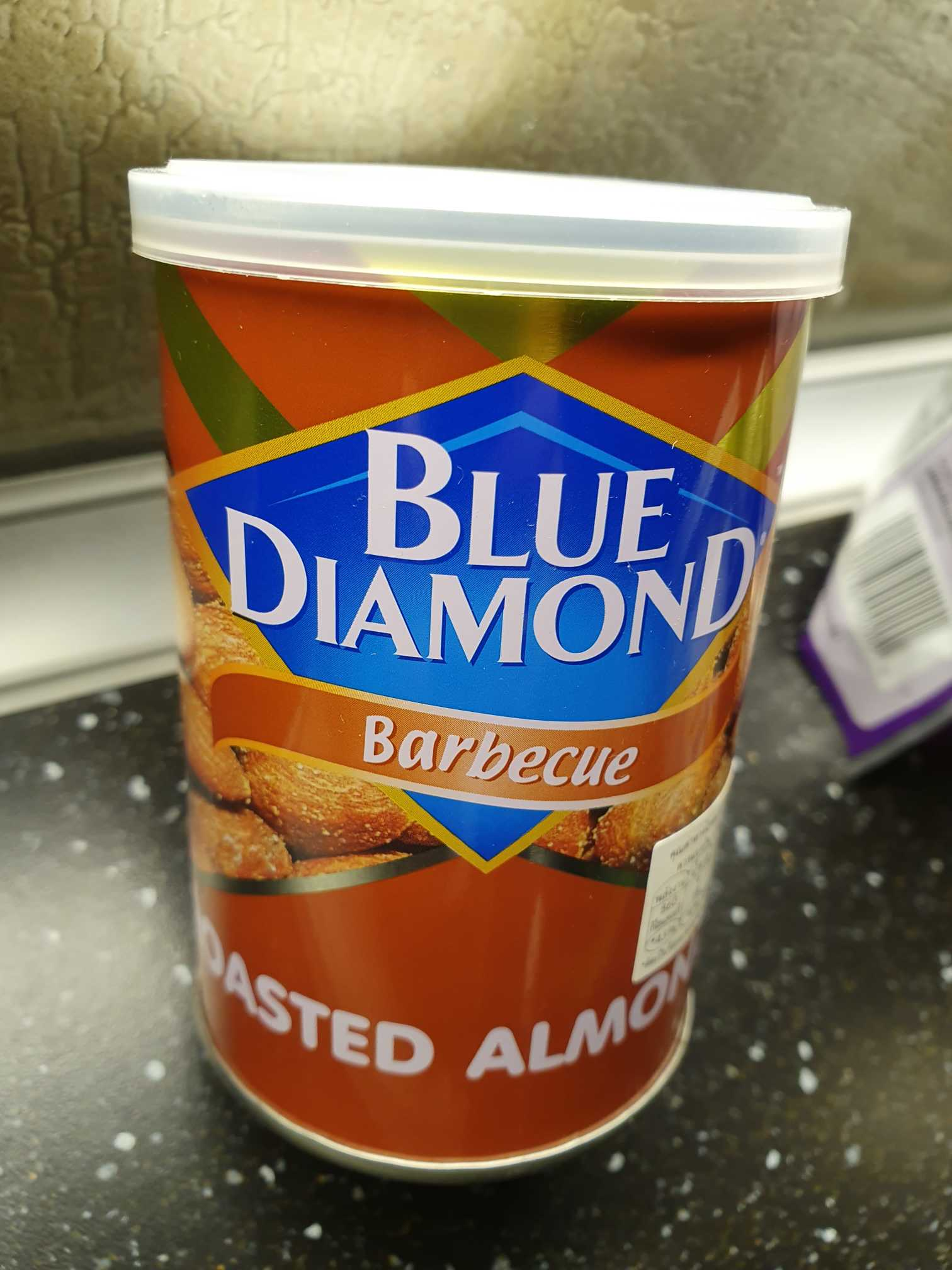 Blue Diamond Roasted almonds barbecue