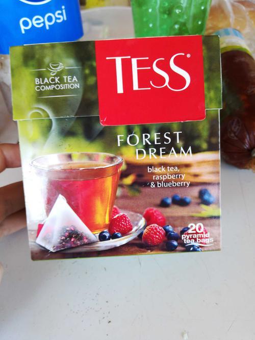 описание Чай черный байховый с ароматом малины и черники Тесс Форест Дрим в пакетиках