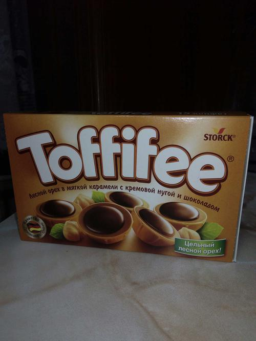 """фото6 Конфеты """"Тоффифи"""" (Toffifee) Лесной Орех в карамельной чашечке с нугой и шоколадом, 125гр."""