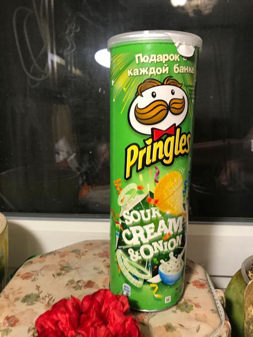 отзыв Чипсы Pringles со вкусом сметаны и лука, 165гр.