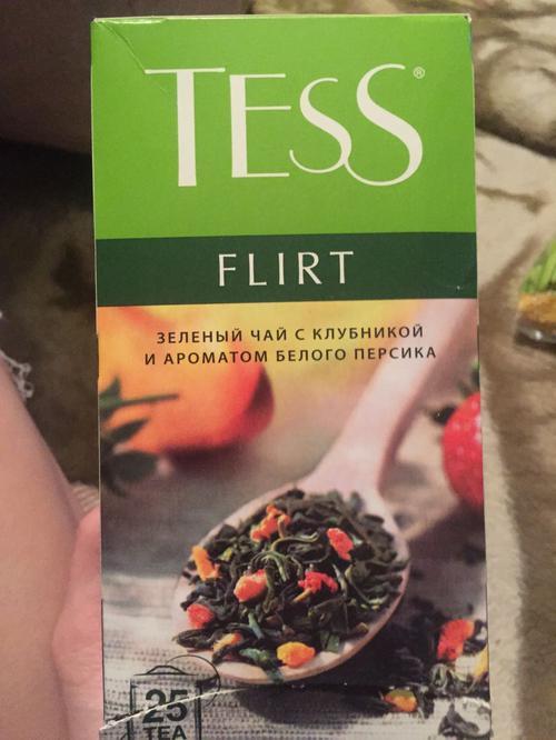 цена Чай зеленый байховый с ароматом белого персика и клубники Тесс Флирт в пакетиках