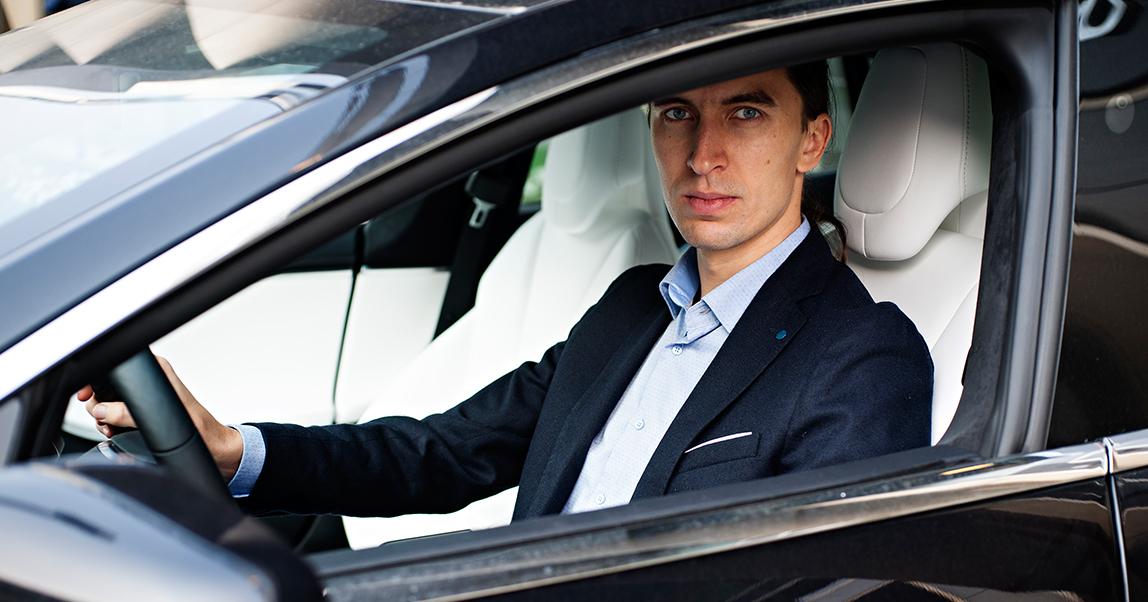 Управляющий партнер Moscow Tesla Club Игорь Антаров: «В России Tesla — обычно пятый автомобиль в гараже, а в Европе и США — единственный»