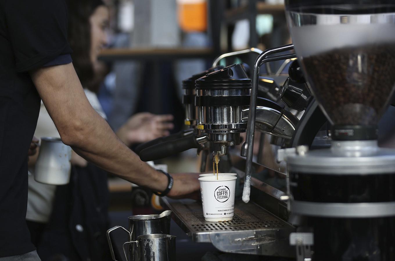 Собственная кофейня vs франшиза: во что вложиться любителю кофе