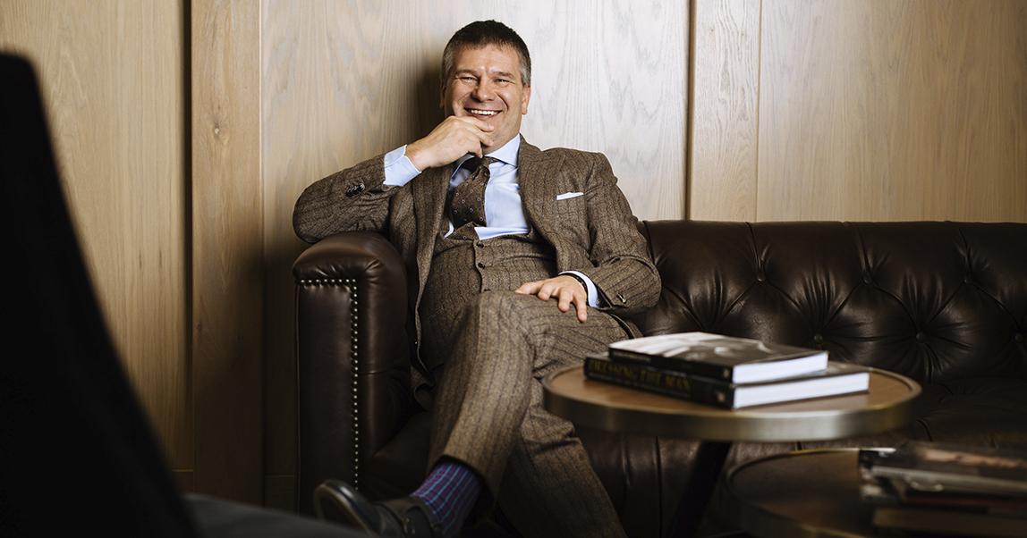 Icon Suit: ценитель хороших костюмов создал модную марку (и одевает футболистов «Локомотива»)