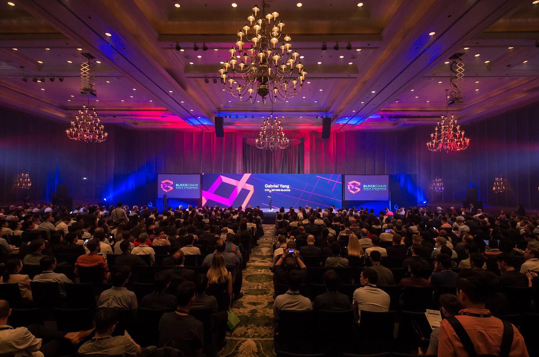 Блокчейн-тусовка: лайфхаки, как себя вести на конференциях