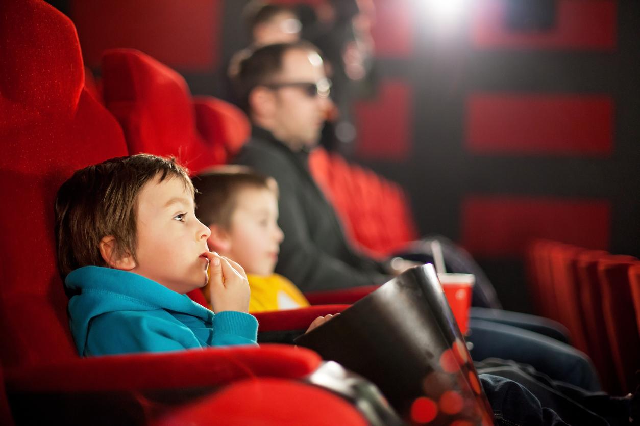 встрече одногруппников смотрит рекертйо кино вживую видела